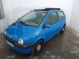 2004 Renault Twingo roof open 1.2 For Sale (picture 1 of 11)