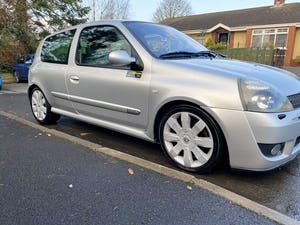 2005 Renault Sport Clio 182 For Sale (picture 1 of 11)