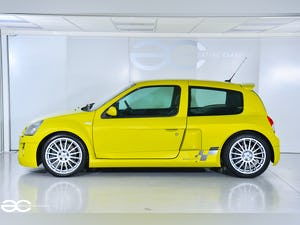 2004 Incredible Clio V6 in Acid Yellow - 13K Miles - 1 of 8! For Sale (picture 3 of 12)
