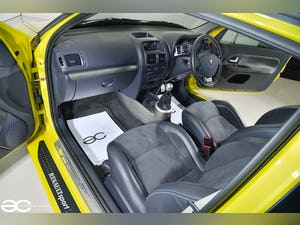 2004 Incredible Clio V6 in Acid Yellow - 13K Miles - 1 of 8! For Sale (picture 7 of 12)
