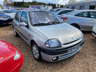 Picture of 2001 Renault Clio 1.4 16v Alize 5dr For Sale