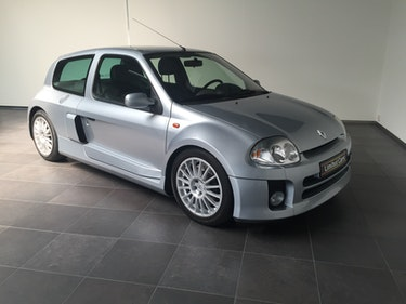 Picture of 2002 Renault Clio V6 LHD For Sale