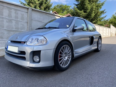 Picture of 2002 Renault Clio 3.0 V6 Renault Sport For Sale