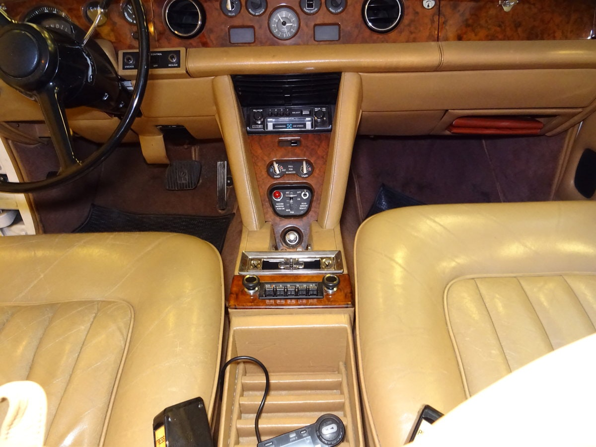 1975 Rolls-Royce Silver Shadow SOLD (picture 4 of 6)