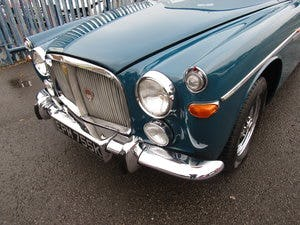 1972 STUNNING EXAMPLE WITH EXTENSIVE SERVICE HISTORY For Sale (picture 6 of 12)