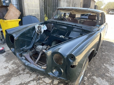 Picture of 1973 Rover p5 coupe rolling shell restored few years ago For Sale