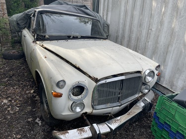 Picture of 1972 2x rover p5 coupes for spares For Sale