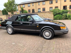 1992 Classic Saab 900i convertible in superb condition For Sale (picture 1 of 6)