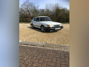 1991 Saab 900 16 i For Sale (picture 2 of 12)