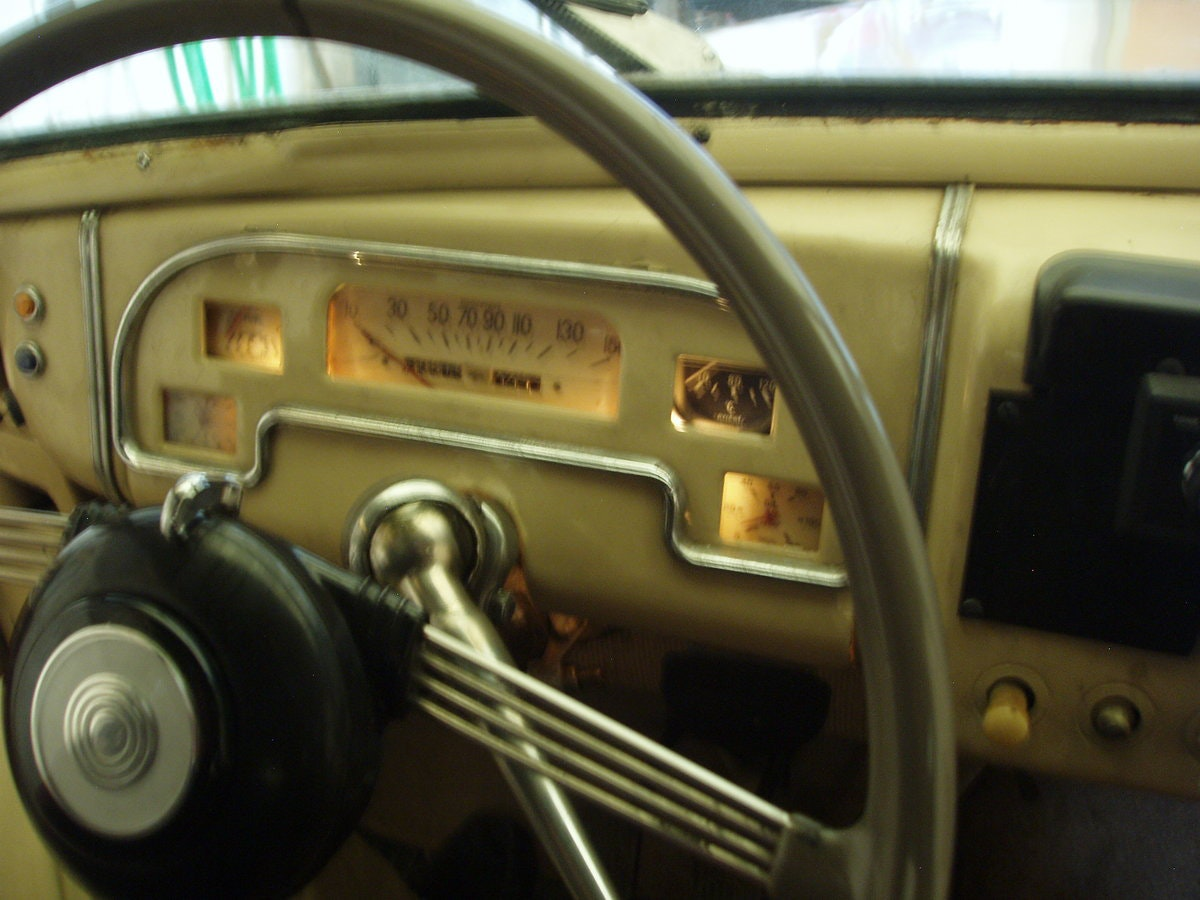 1948 Standard Vanguard, all original SOLD (picture 4 of 6)