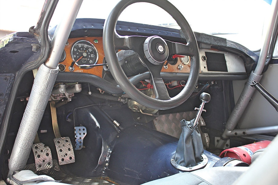 1965 Sunbeam Tiger FIA rally car For Sale (picture 7 of 12)