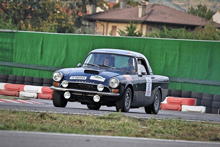 1965 Sunbeam Tiger FIA rally car For Sale (picture 11 of 12)