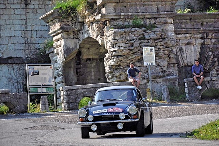 1965 Sunbeam Tiger FIA rally car For Sale (picture 12 of 12)