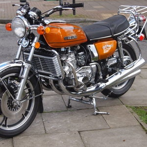 Picture of 1976 Beautiful Suzuki GT750 Kettle With Period Accessories. SOLD