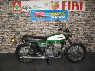 Picture of 1972 L-reg Suzuki T500 2 Stroke finished in green and white For Sale