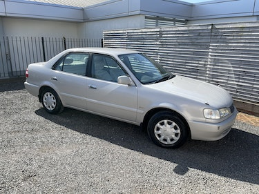 Picture of 1999 Toyota Corolla XE Limited Saloon For Sale