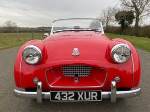 1955 Triumph TR2. Red with tan interior and a black hood For Sale (picture 3 of 12)