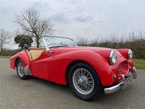 1955 Triumph TR2. Red with tan interior and a black hood For Sale (picture 4 of 12)