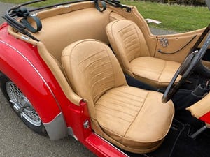 1955 Triumph TR2. Red with tan interior and a black hood For Sale (picture 8 of 12)