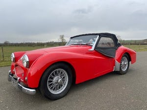 1955 Triumph TR2. Red with tan interior and a black hood For Sale (picture 10 of 12)