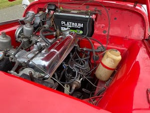 1955 Triumph TR2. Red with tan interior and a black hood For Sale (picture 11 of 12)