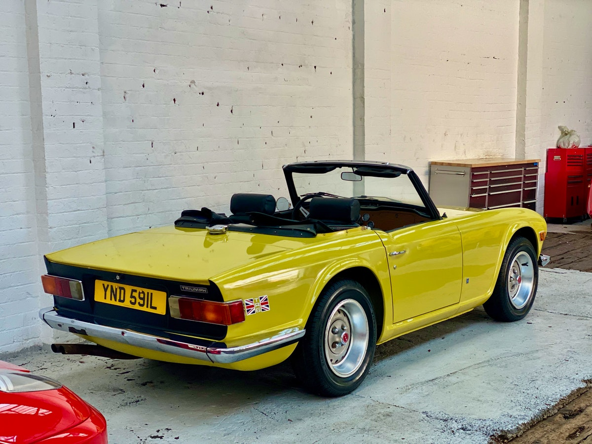 1973 Marvellous Mimosa Yellow Triumph TR6 For Sale (picture 1 of 12)