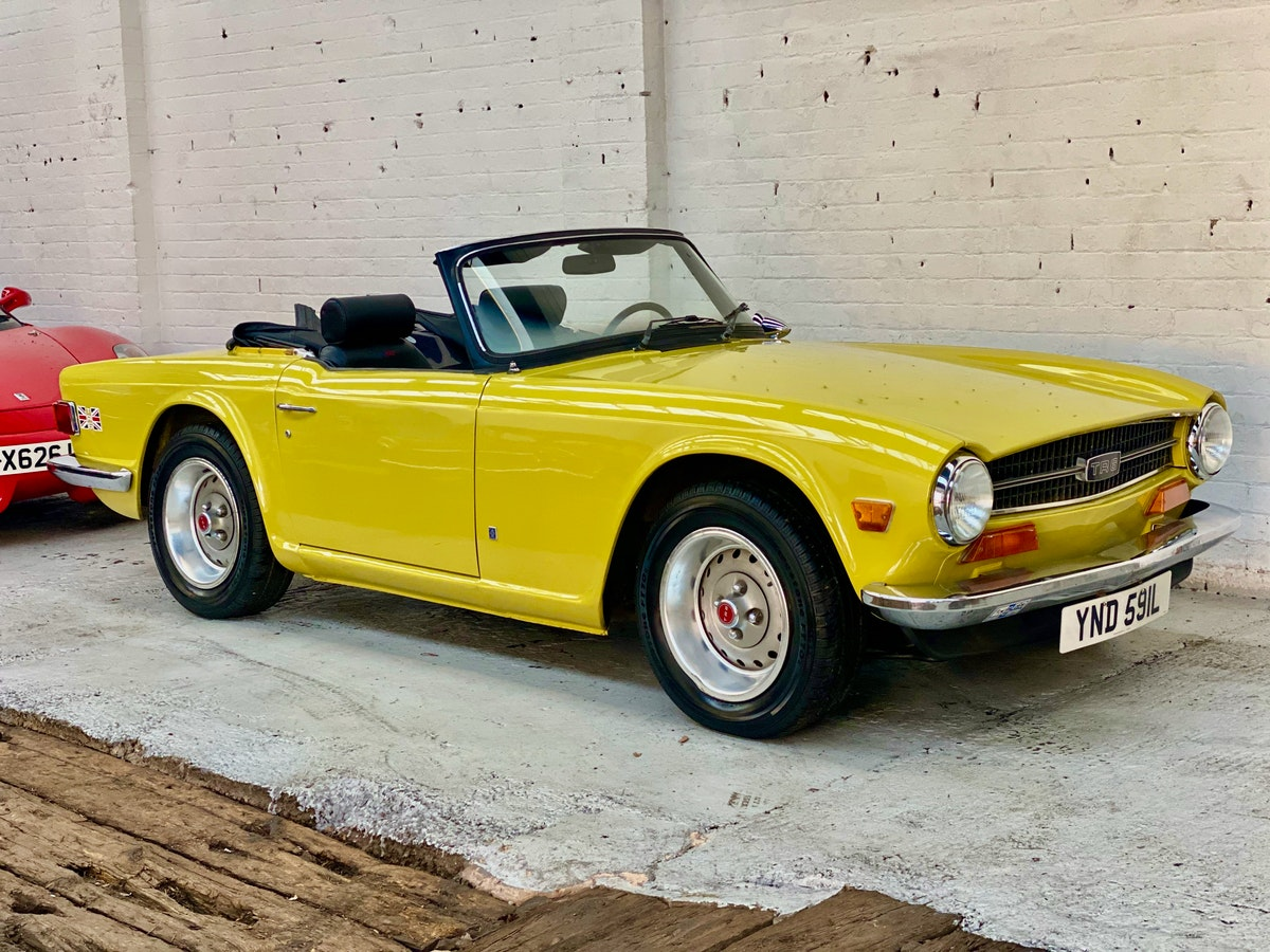 1973 Marvellous Mimosa Yellow Triumph TR6 For Sale (picture 5 of 12)