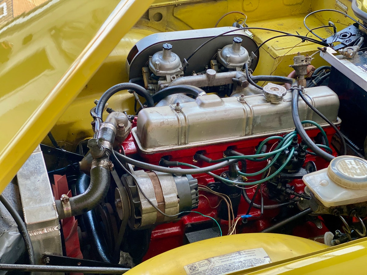1973 Marvellous Mimosa Yellow Triumph TR6 For Sale (picture 7 of 12)
