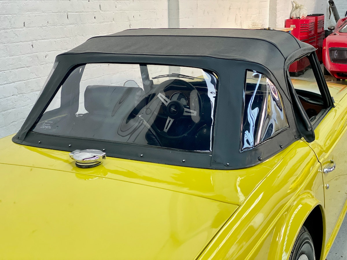1973 Marvellous Mimosa Yellow Triumph TR6 For Sale (picture 9 of 12)