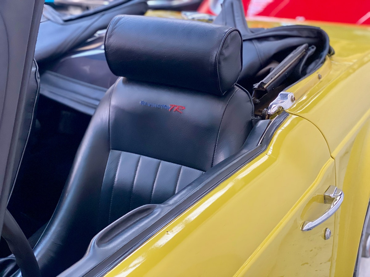 1973 Marvellous Mimosa Yellow Triumph TR6 For Sale (picture 10 of 12)