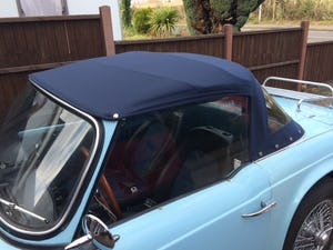 1962 Triumph TR4 in Powder blue LHD. For Sale (picture 5 of 11)