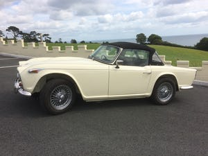 1965 Triumph TR4A IRS For Sale (picture 1 of 11)