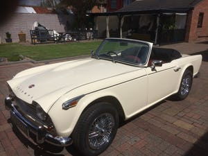 1965 Triumph TR4A IRS For Sale (picture 2 of 11)