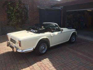 1965 Triumph TR4A IRS For Sale (picture 4 of 11)