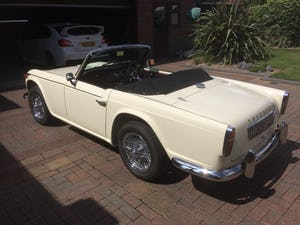 1965 Triumph TR4A IRS For Sale (picture 5 of 11)