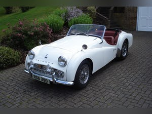 1959 Triumph TR3A –  Sebring White with Red Cherokee Trim For Sale (picture 1 of 12)