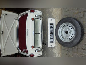 1959 Triumph TR3A –  Sebring White with Red Cherokee Trim For Sale (picture 8 of 12)