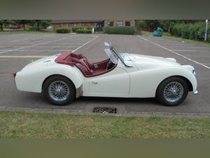 1959 Triumph TR3A –  Sebring White with Red Cherokee Trim For Sale (picture 9 of 12)