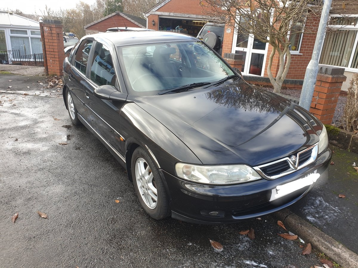 2002 Vectra Cracking example SOLD (picture 1 of 6)