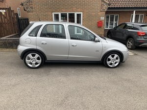 2005 Vauxhall corsa sri 1.4 16v only 35000 miles For Sale (picture 1 of 10)