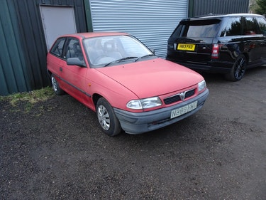 Picture of 1993 very low mileage 3 doors Vauxhall astra automatic For Sale
