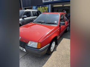 1986 Rare Vauxhall Astra Antibes 1300 1 owner Swap or P/ex For Sale (picture 3 of 9)