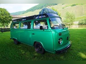 1976 Green VW Camper with Refurbished Engine For Sale (picture 1 of 6)