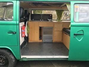 1976 Green VW Camper with Refurbished Engine For Sale (picture 5 of 6)