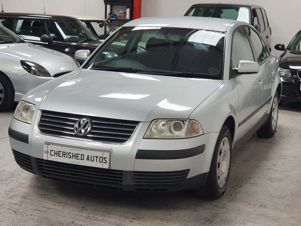 2001 VOLKSWAGEN PASSAT 2.0 SE* SAME FAMILY OWNED FROM NEW* For Sale (picture 1 of 6)