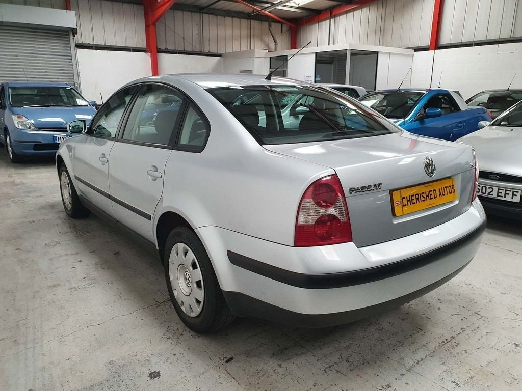 2001 VOLKSWAGEN PASSAT 2.0 SE* SAME FAMILY OWNED FROM NEW* For Sale (picture 2 of 6)