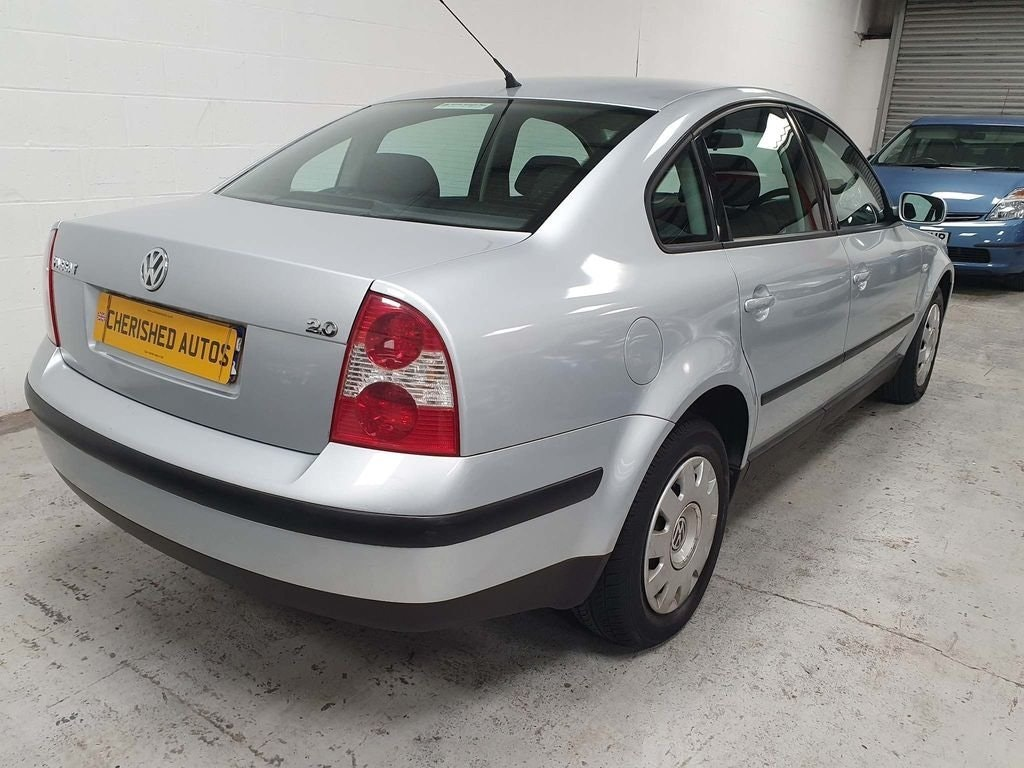 2001 VOLKSWAGEN PASSAT 2.0 SE* SAME FAMILY OWNED FROM NEW* For Sale (picture 3 of 6)
