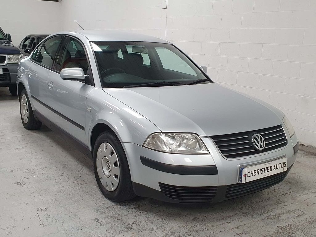 2001 VOLKSWAGEN PASSAT 2.0 SE* SAME FAMILY OWNED FROM NEW* For Sale (picture 4 of 6)