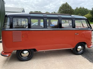 1957 23 Window Deluxe RHD UK supplied 2 owner For Sale (picture 4 of 8)