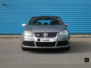 2005 A stunning 3 door, manual transmission, Volkswagen Golf R32 For Sale (picture 2 of 12)